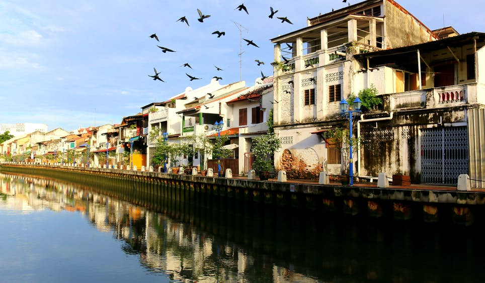 A riverside amble in Melaka City reveals creative treasures © Frans Sellies / Getty Images