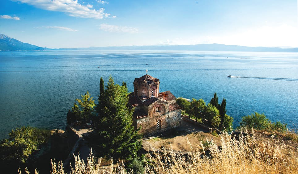 The Orthodox Church of Sveti Jovan (St John) at Kaneo, overlooking Lake Ohrid © Ivan Vukelic / Getty Images