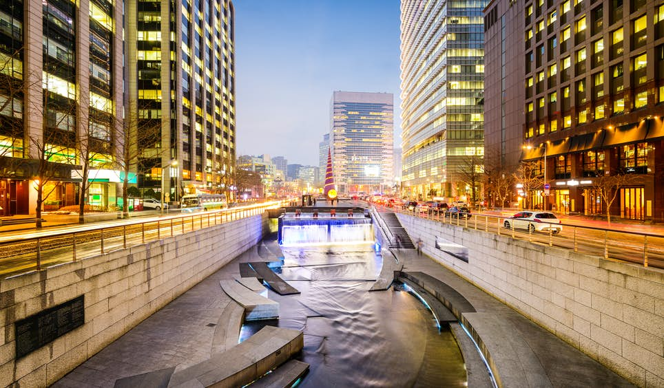 The Cheonggyecheon waterway is one of many projects transforming Seoul © ESB Professional / Shutterstock