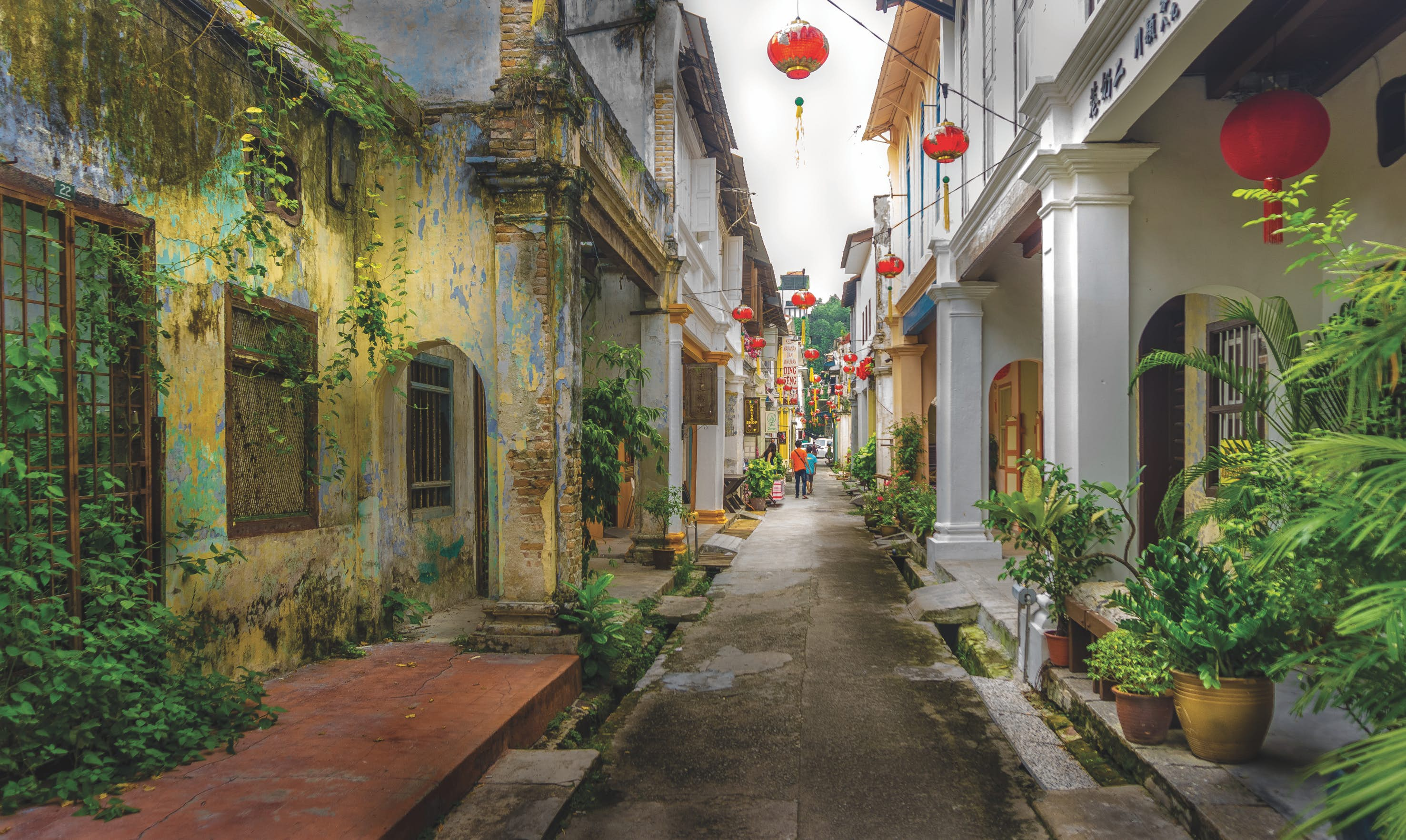 Perak's capital Ipoh mixes graceful colonial architecture with funky cafes and boutique hotels © simonlong / Getty Images