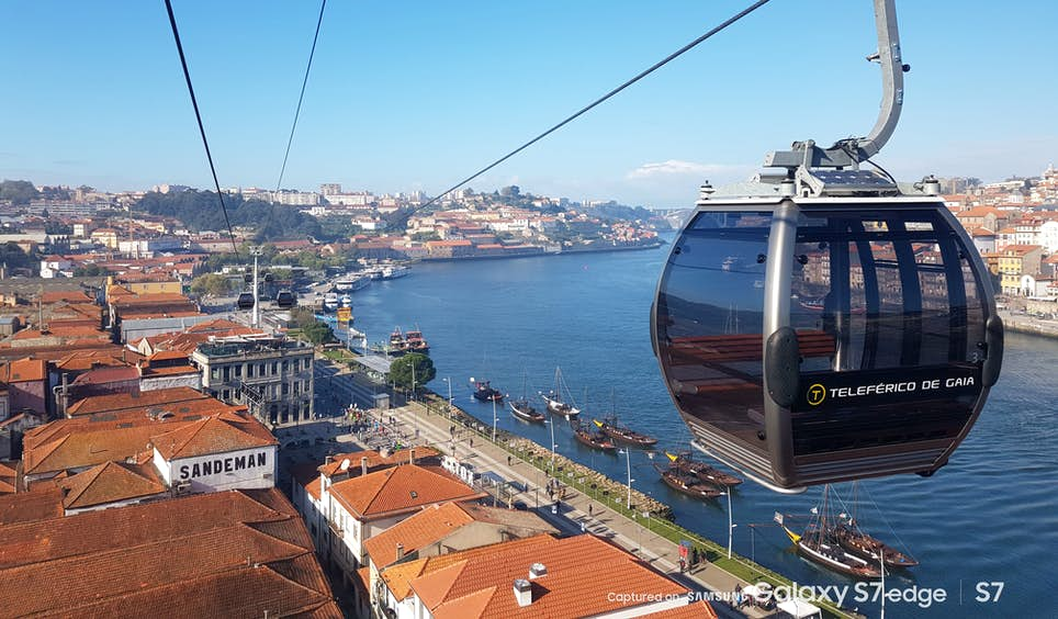 An aerial view of Porto from the Teleférico de Gaia cable car © Emma Sparks / Captured on Samsung Galaxy S7 / S7 edge
