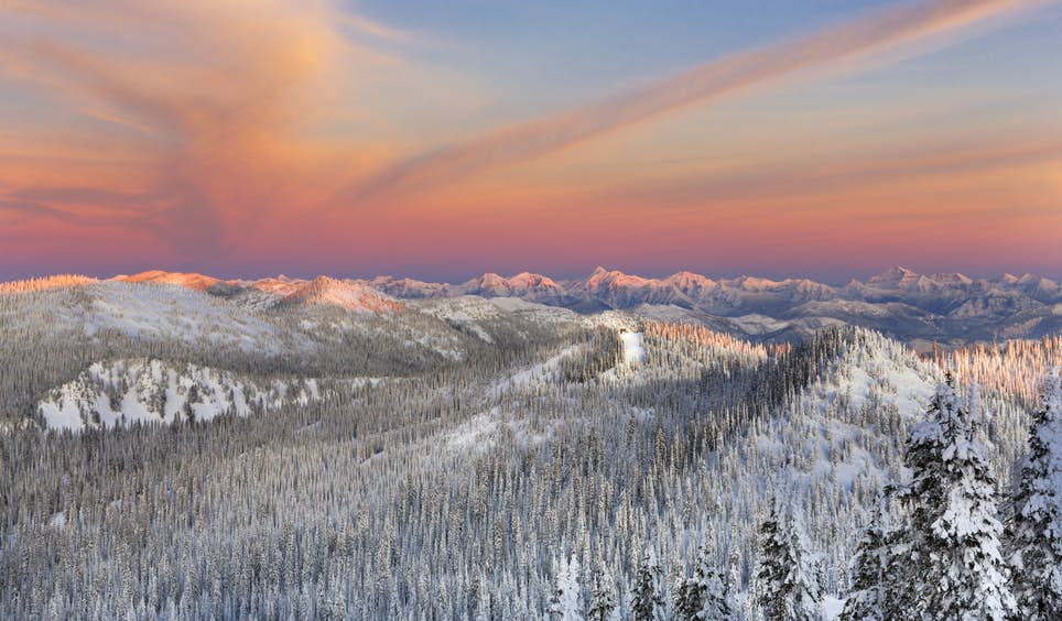 Another day draws to a close in the Whitefish Range, Flathead Valley, Montana  © Danita Delimont / Getty Images