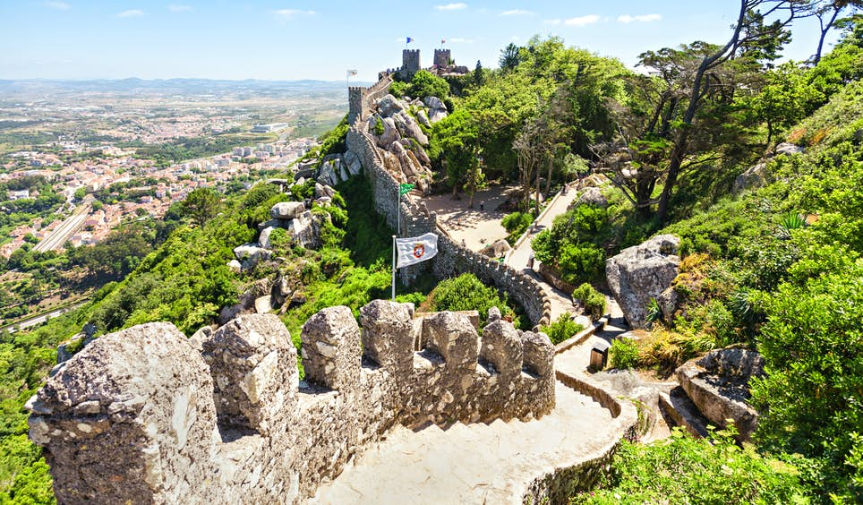 Sintra's hilltop Castle of the Moors was constructed in the 8th and 9th centuries © saiko3p / Shutterstock