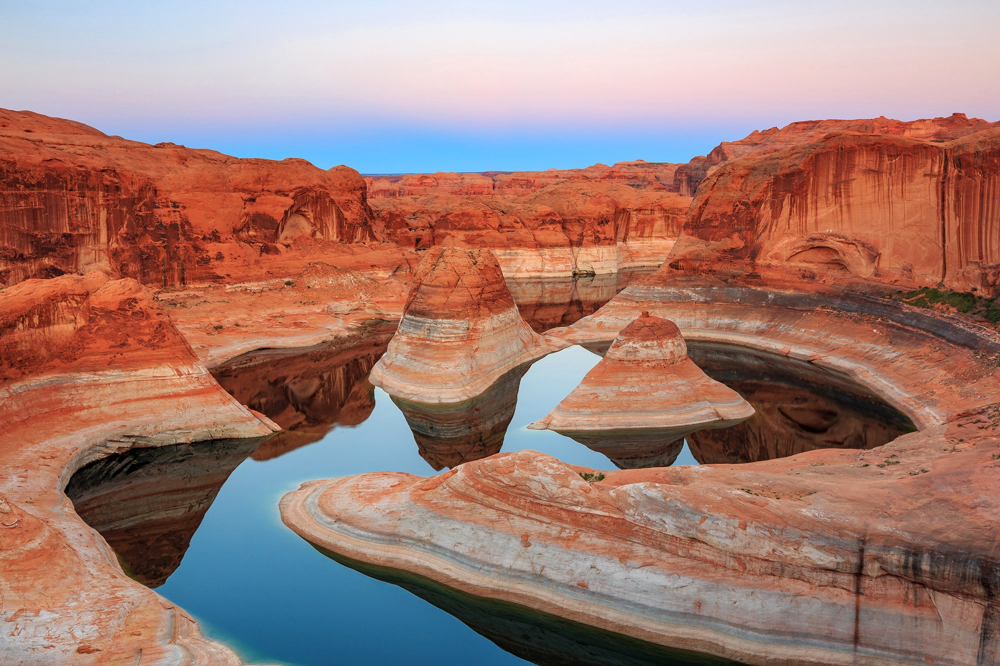 Reflection Canyon, one of the myriad geological wonders along the length of Lake Powell © Johnny Adolphson / Shutterstock